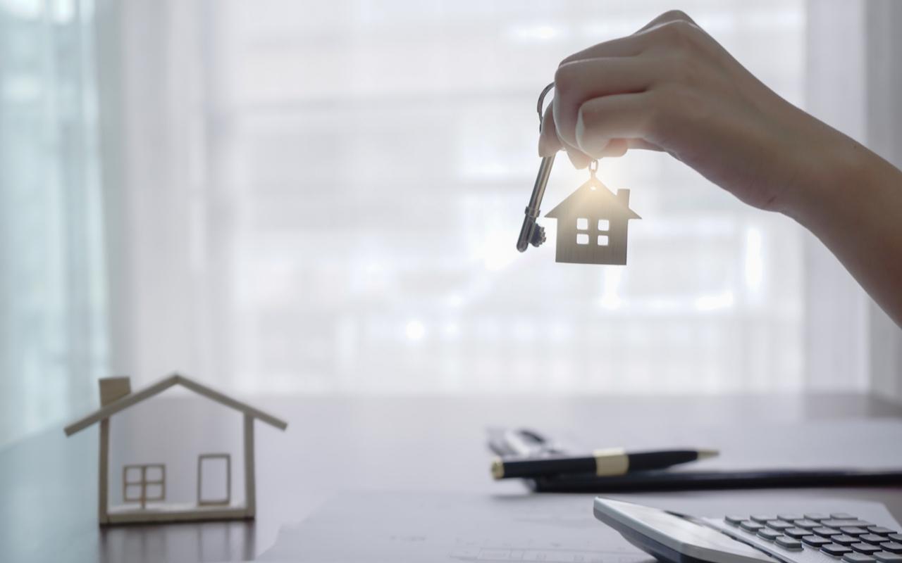 Как удаленно провести сделку с жильем через нотариуса. 7 главных вопросов