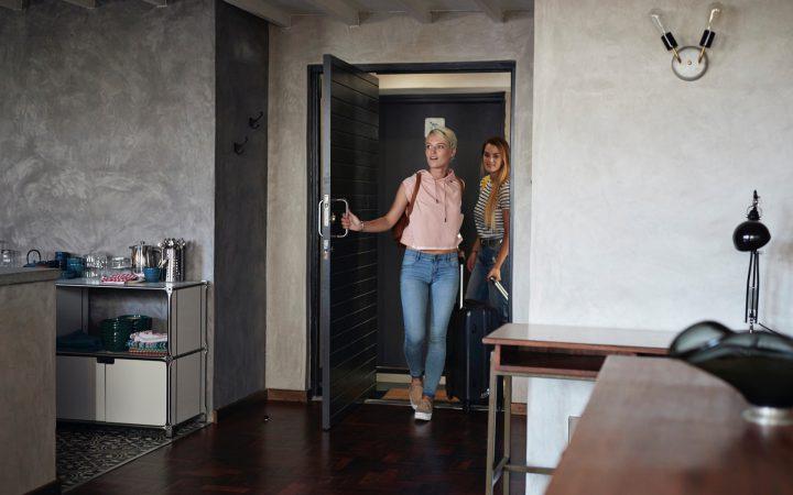 Апартаменты или квартира: что лучше и почему_5fdc44b7cf390.jpeg