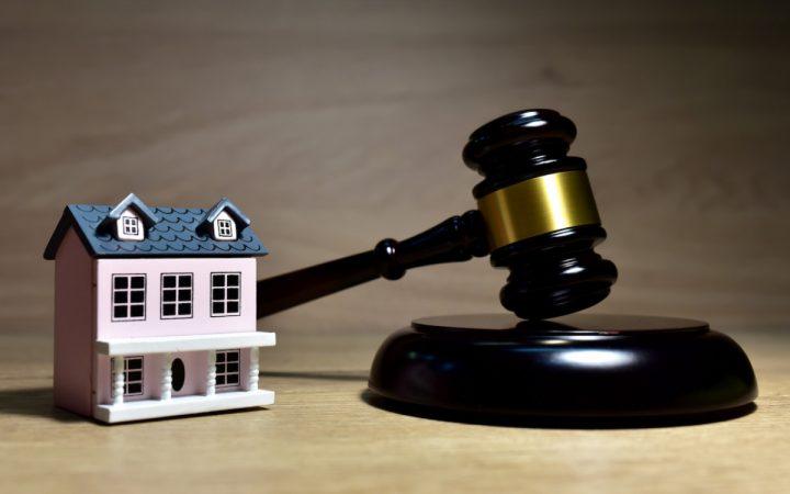 Долги родственников и неоплаченная ипотека: за что могут изъять квартиру_60cc35549c781.jpeg