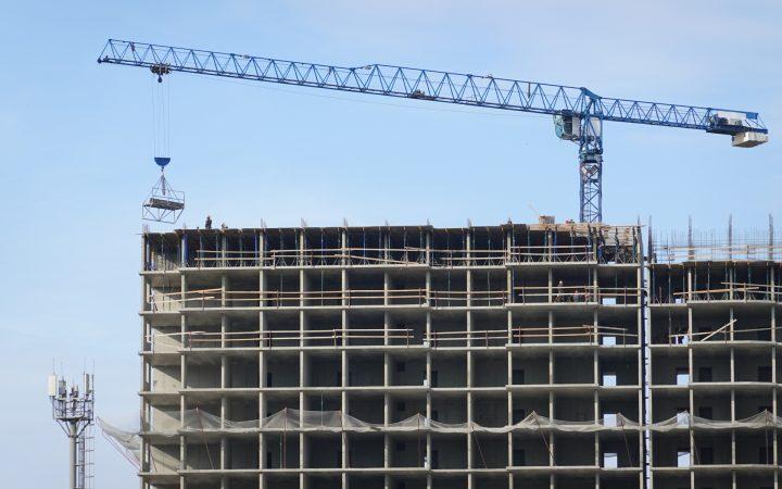 «Дом.РФ» зафиксировал спад площади строящегося жилья до нового минимума_602b5e36ad8bf.jpeg