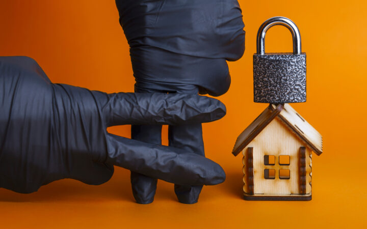 Домашний арест: что можно и что нельзя делать заключенному в квартире_5faccf75c3c14.jpeg
