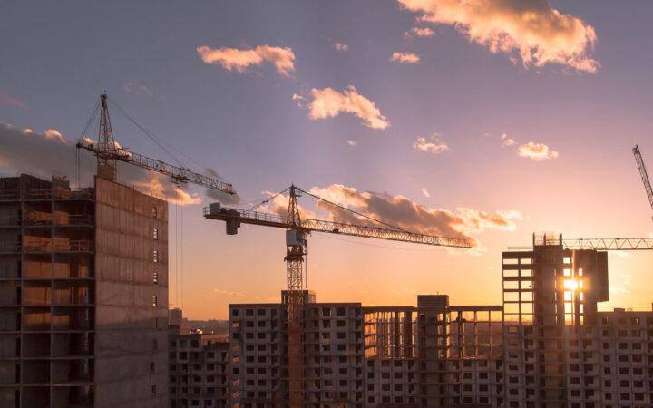 Эксперты увидели резкий рост предложения жилых новостроек в Москве_5fa2425ebdeba.jpeg