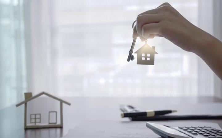 Как удаленно провести сделку с жильем через нотариуса. 7 главных вопросов_6076867193bda.jpeg