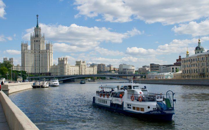 Москва продаст с торгов жилье в высотке на Котельнической от ₽12 млн_60c2fa3f41159.jpeg