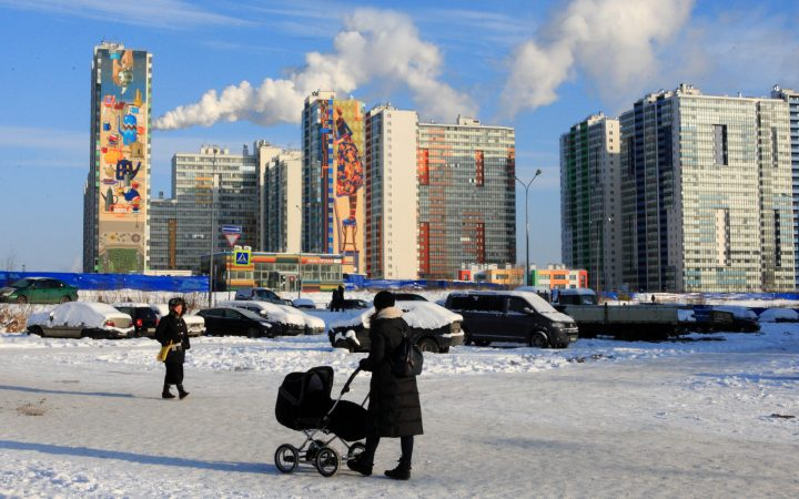 Путин поручил оценить возможность выделения детям дополнительных квартир_605ec86964353.jpeg