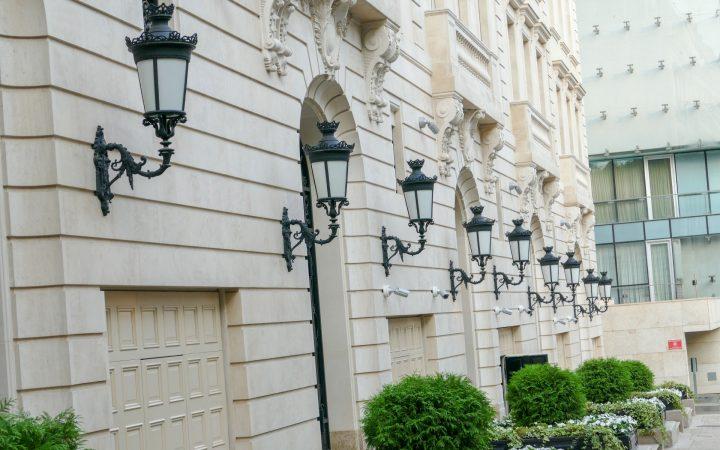 Риелторы назвали средний чек покупки элитной недвижимости в Москве_6031f5aeb501f.jpeg