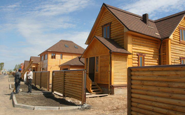 Росстат зафиксировал рекорд по строительству деревянного жилья_60655f97eb15d.jpeg