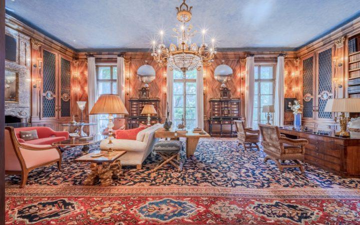 СМИ сообщили о возможной продаже особняка Эпштейна за $50 млн_6041c71b6def1.jpeg