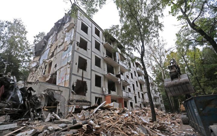 Совет Госдумы отложил рассмотрение проекта о всероссийской реновации_5f997a1a725b1.jpeg