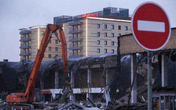 В Москве снесли более тысячи самовольных построек_5faccf762fe65.jpeg