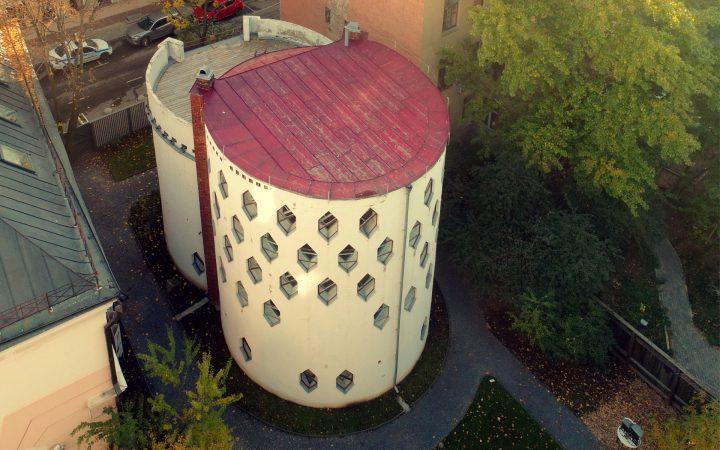 В Москве спасают архитектурный шедевр: как удалось помочь Дому Мельникова_6073e1395fd52.jpeg