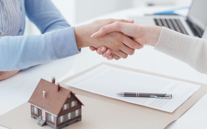 В правительстве пообещали выдавать выписки о недвижимости за 30 секунд_5f9979fa26269.jpeg